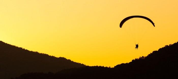 paragliding-at-sunset-11284650896RlSJ