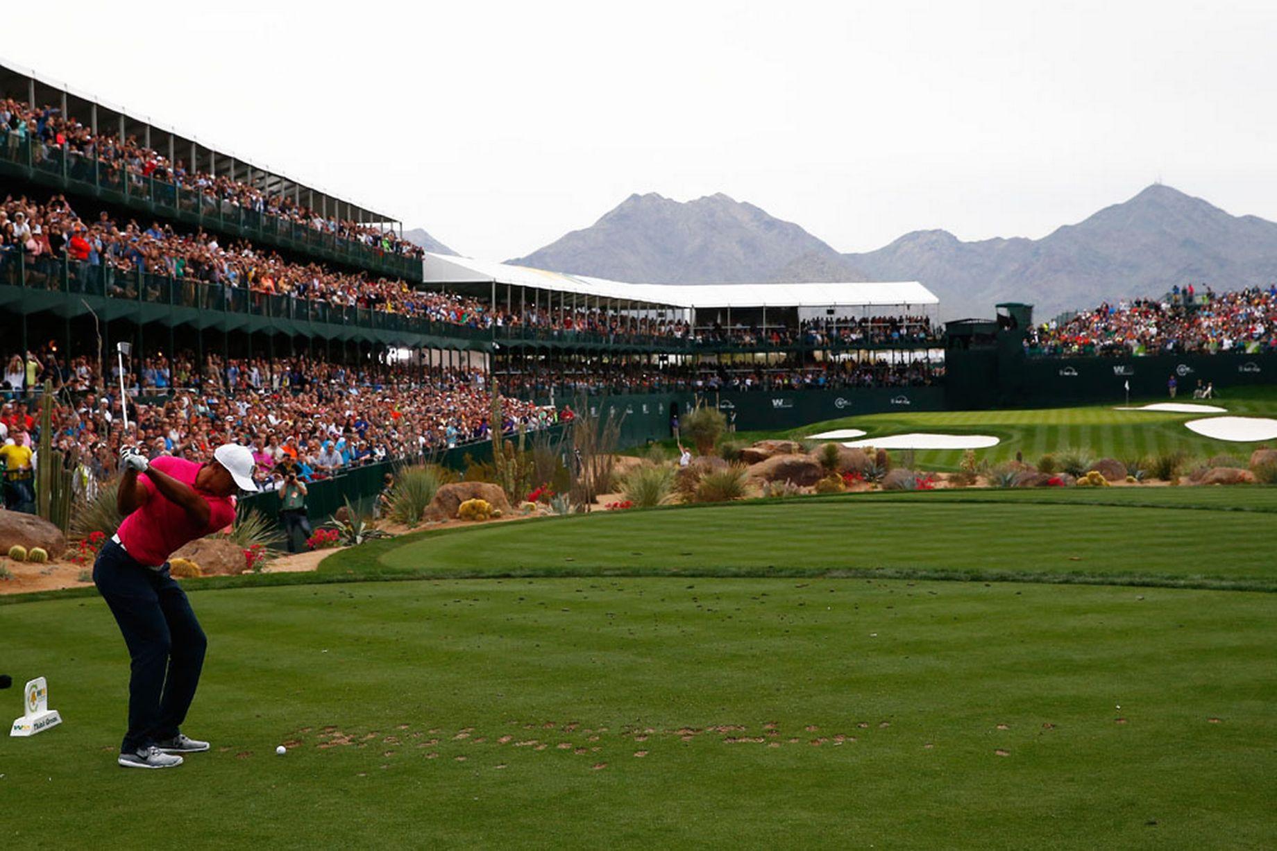 Tiger-Woods--29012015--Waste-Management-Phoenix-Open